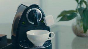 Switchbot включва кафемашина