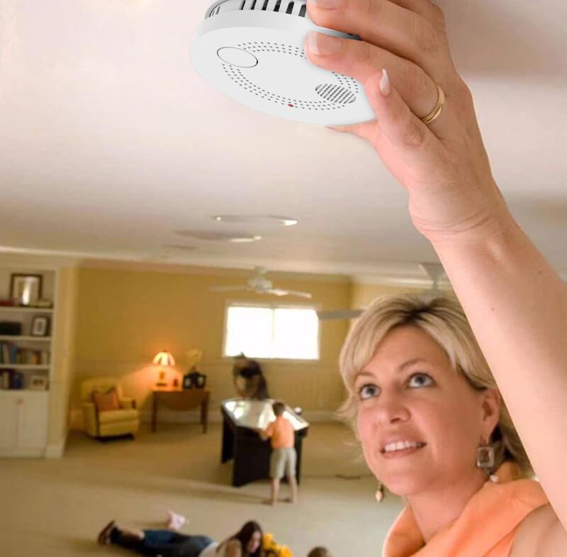 монтаж на димен детектор с WiFi
