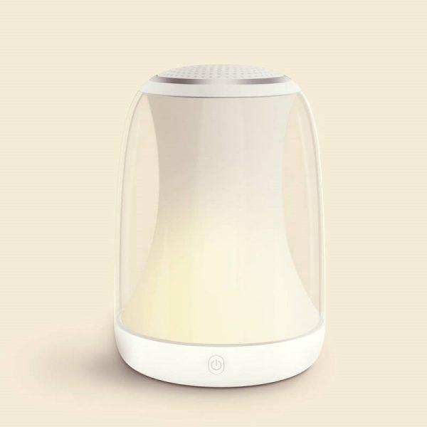 топло бяла светлина лазпа за бебе