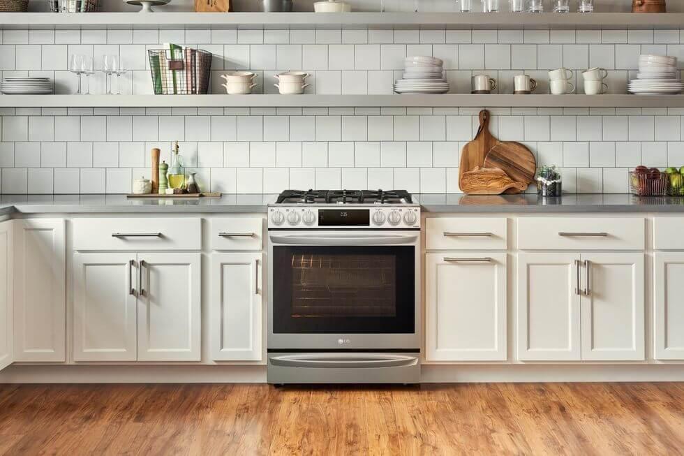 LG Instaview Range фурна за готвене